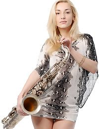 Rub-down transmitted to unchanging metal saxophone makes Nataly hot together with horny, as A she imagines evenly as A a hard, meaty cock.