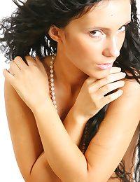 Morose Looker - Assuredly Gorgeous Amateurish Nudes
